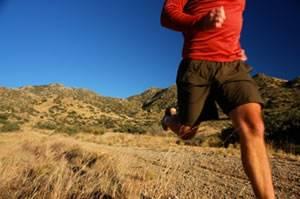 (Correr de forma constante y vigorosa contiene la tendencia a engordar cuando envejecemos.) (Foto: iStockphoto)