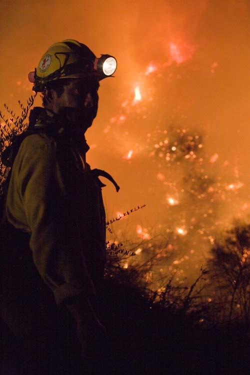 (Uno de los incendios de California.) (Foto: Andrea Booher/FEMA)
